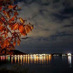 Instagram【kemity2452】さんの写真をピンしています。 《おはようございます♪ 一日中の秋晴れっていう日が少ない。😡 このまま、冬になってしまいそうですね。 さて、今日も頑張りましょ❗️🙄 ・ 📸sony a6000 ・ #河口湖  #クヌギ #秋  #秋色  #秋の風景  #夜景 #夜景ら部  #紅葉🍁 #紅葉 #景色  #ダレカニミセタイケシキ  #写真好きな人と繋がりたい #写真撮ってる人と繋がりたい  #ファインダー越しの私の世界 #autumn  #nature  #nature_lover  #naturelovers  #japan_night_view  #ptk_night  #ptk_japan  #loves_night  #team_jp  #tokyocameraclub  #icu_japan  #icu_nightlife  #world_best_night  #night_view  #igersjp  #sonya6000》