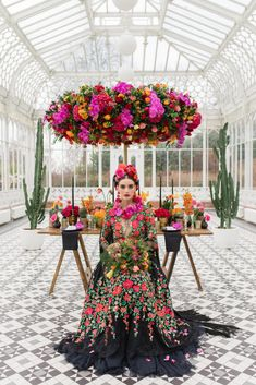 Would you like to get the inside scoop on how to become a wedding trendsetter and use these trends in your wedding business? We're inviting you to join our next FREE webinar training: How to use Wedding Trends in In this training, we're going to b Frida Kahlo Wedding, Mexican Themed Weddings, Mexican Dresses, Mexican Wedding Dresses, Vintage Mexican Wedding, Strictly Weddings, Wedding Trends, Wedding Ideas, Mermaid Wedding