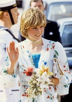 August Prince Charles & Princess Diana arrive in Gibraltar to a tumultuous welcome to board the Royal Yacht Britannia at the beginning of their honeymoon cruise. Princess Diana Family, Princes Diana, Real Princess, Prince And Princess, Princess Of Wales, Princess Charlotte, Prinz Charles, Prinz William, Kate Middleton