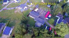 """""""Ein Dorf macht Musik"""" aus Vogelperspektive"""