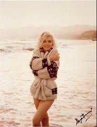 Marilyn Monroe in Wool #JigsawWool #jigsawclothing #styleicon