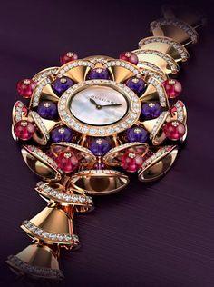 Diva Watch von Bvlgari Z - Luxusuhren Bvlgari Watches, Seiko Watches, Wrist Watches, Stylish Watches, Luxury Watches For Men, Maxi Collar, Swiss Army Watches, Expensive Watches, Bling