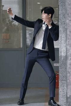 Lee jong suk ❤❤ while you were sleeping drama ^^ Kim Woo Bin, Asian Actors, Korean Actors, Korean Dramas, Korean Guys, Lee Jong Suk Wallpaper, F4 Boys Over Flowers, Kang Chul, Moorim School