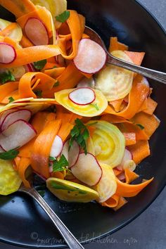 Shaved Golden Beet, Carrot and Radish Salad with Coriander Mustard Vinaigrette // Raw shaved beets, carrots and radishes are dressed up with a lively vinaigrette creating a fresh and colorful summer salad that's perfect for picnics and barbeques. Raw Food Recipes, Salad Recipes, Vegetarian Recipes, Cooking Recipes, Healthy Recipes, Vegetarian Salad, Vegetable Salad, Vegetable Recipes, Healthy Salads