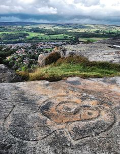 Bronze Age markings at Hangingstone Quarry above Ilkley, West Yorkshire, England Yorkshire England, Yorkshire Dales, North Yorkshire, English Countryside, British Isles, Great Britain, Places To See, Beautiful Places, Beautiful Pictures