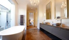 classic-bathroom-design-brighton-bath-double-basins.jpg (850×500)
