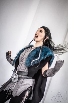 """""""I would like to rage!"""" Yasha cosplay made and worn by me.Photo/edit by @CharlieDarrell - please go check out his work! #CriticalRole @TheVulcanSalute @GeekandSundry @CriticalRole pic.twitter.com/XugeJusO4I"""