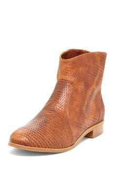 Ankle Riding Bootie--- with the right outfit--- YES!!