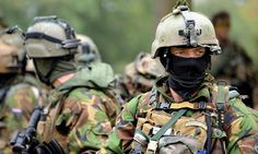 Dutch elite Korps Commandotroepen (KCT) operatives during exercise Falcon Autumn.