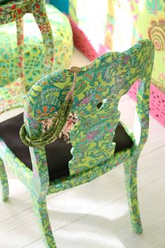 (Fabric by Amy Butler) Painted Chairs, Hand Painted Furniture, Funky Furniture, Painted Tables, Furniture Projects, Furniture Makeover, Furniture Design, Decoupage Chair, Cool Chairs