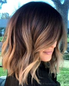 Hairstyles Featuring Dark Brown Hair with Highlights Light Brown Balayage For Brunette Hair.Light Brown Balayage For Brunette Hair. Brown Hair Balayage, Brown Blonde Hair, Balayage Brunette Short, Bronde Hair, Short Hair With Balayage, Lob Ombre, Balayage Hair Brunette Caramel, Brown Bayalage, Balayage Lob