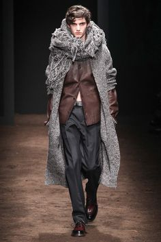 http://www.style.com/slideshows/fashion-shows/fall-2015-menswear/salvatore-ferragamo/collection