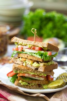 Vegan Club Sandwiches | vegan sandwich recipe | ohmyveggies.com