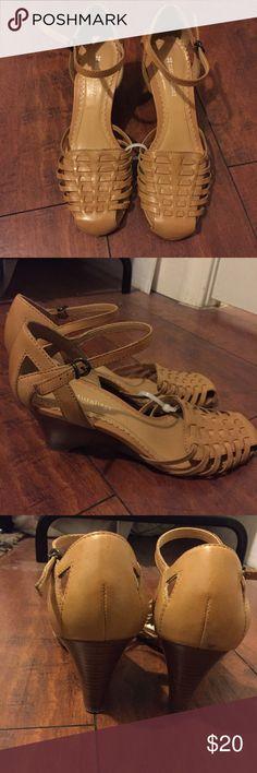 Naturalizer Tan Wedge Sandals Size 7. Good condition. 1.5-2inch wedge heel Naturalizer Shoes Sandals