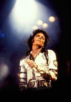 Michael jackson Bad tour Heartbreak Hotel