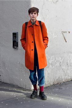 Street Style Womens & Mens Street Style at Coggles Men Street, Street Wear, Modern Mens Fashion, Mens Winter Coat, Gents Fashion, Le Male, Stylish Boys, Orange Fashion, Raining Men