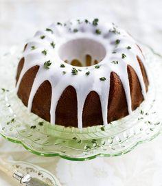 Lemon, thyme and yogurt cake