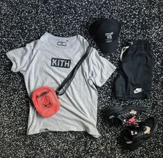 men's outfits with checkered vans Yeezy Fashion, Tomboy Fashion, Streetwear Fashion, Streetwear Jeans, Streetwear Summer, Dope Outfits For Guys, Swag Outfits, Trendy Outfits, Hype Clothing