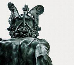 Perseus with the Head of Medusa Benvenuto Cellini Vanitas, Perseus Und Medusa, Italy Magazine, Rome Antique, Sculptures, Lion Sculpture, Vintage Travel Posters, Art History, Les Oeuvres