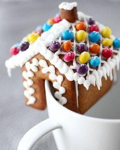 Kardemommestang - krem.no Gingerbread Cookies, Baking, Desserts, Food, Gingerbread Cupcakes, Tailgate Desserts, Deserts, Bakken, Essen