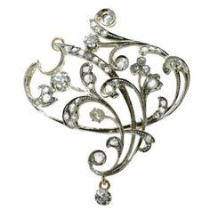 Art Nouveau brooch and pendant in gold with rose cut diamonds (15316-0059) #GoldJewelleryArtNouveau