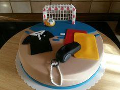 Birthday Cake Vodka, Birthday Cake Shots, 25th Birthday Cakes, Wedding Cake Red, Elegant Wedding Cakes, Wedding Cake Designs, Cake Vodka Recipes, Tooth Cake, Queen Cakes