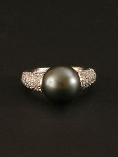 Mikimoto White Gold Diamond and Black Pearl Ring. Available at London Jewelers, oh myyyy Pearl Jewelry, Antique Jewelry, Vintage Jewelry, Fine Jewelry, Pearl Rings, Jewlery, Bling Bling, Tahitian Pearl Ring, Family Jewels