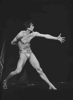 Нездешний сад Рудольфа Нуреева& photos The rude garden of Rudolf Nureyev & # s photos The post The rude garden of Rudolf Nureyev & # s photos appeared first on Best Pins. Figure Drawing Models, Figure Drawing Reference, Art Reference Poses, Anatomy Reference, Body Reference, Photo Reference, Drawing Poses Male, Drawing Tips, Drawing Tutorials