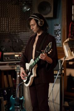 ZekeFilm | Film Review: I Loved ONLY LOVERS LEFT ALIVE
