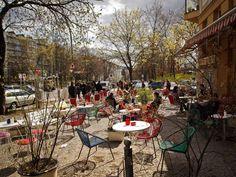 Wer ein nettes Cafe sucht, wird auf alle Fälle in der Kastanienallee fündig werden >> Berlin, Prenzlauer berg, Kastanienallee