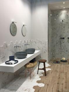 Inspirert av tre, marmor og stein.Årest stand fra Ragno på Cersaie er inspirert av tre, marmor og stein. Kombinasjoner av fiskebensmønster, hexagonfliser