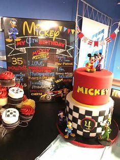 Digital o impresa  Signo de pizarra Mickey Roadster