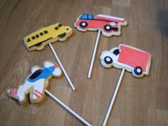 """""""transportation themed"""" cookie pops!"""