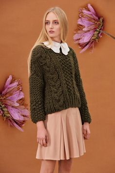 Shop&Watch online at: www.patipasek.com  #handmade #chunky knits #chunky wool #khaki jumper #oversize sweater #cozy yarn Photo: Koty2Photostorytellers Chunky Knits, Chunky Wool, Winter 2017, Fall Winter, Watches Online, Jumper, Cozy, Passion, Knitting