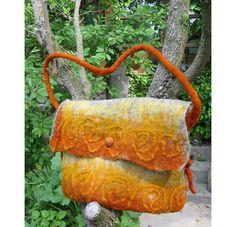 Valentine Gift,Felt bag, Felt hip-bag,Wool Felted Purse,Woman Felt Bag,Felt Hand Sholder bag,Handmade,European Art Design