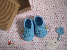 joana em banho maria: Os sapatinhos azuis têm uma caixinha só para eles :)
