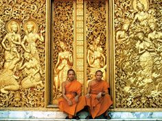 Monges em Luang Prabang, no Laos