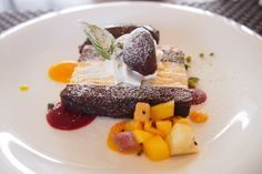 『季節にあった果物やアイスのコラボレーションデザート』が自慢