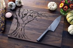 Laser Etched Cutting Boards -- @Alison Hobbs Hobbs King What an unexpected use of a laser cutter! Made me think of you! ♥