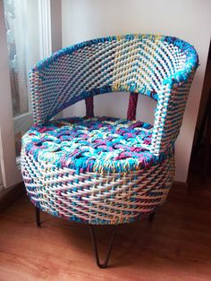 DIY Ideas How to reuse Old Tires Disposal of used tires is becoming an increasing problem in the world.Most of the old tires are thrown whic. Tire Furniture, Recycled Furniture, Outdoor Furniture, Office Furniture, Furniture Design, Reuse Old Tires, Reuse Recycle, Chair And Ottoman, Armchair