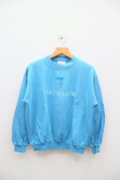 Sweater Hoodie, Crew Neck Sweatshirt, Graphic Sweatshirt, Comfy Hoodies, Sweatshirts, Vintage Outfits, Vintage Clothing, Clothing Ideas, Blue Sweaters
