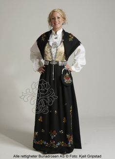 Women's bunad from Rogaland, Norway. There are matching designs for men, boys and girls. Each area has their own variation and often local variations too. Traditional Fashion, Traditional Dresses, Norwegian Clothing, Polish Clothing, Norwegian Vikings, Beautiful Norway, Thinking Day, Ethnic Dress, Folk Costume