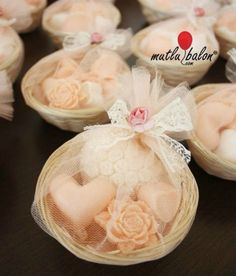 Soap packaging, perfect for we Soap Wedding Favors, Soap Favors, Party Favors, Soap Packing, Decorative Soaps, Glycerin Soap, Soap Recipes, Home Made Soap, Handmade Soaps