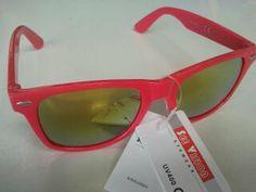 Fantásticas lentes solares modelo CRUISE. Fantásticas lentes solares modelo CRUISE. Las lentes CRUISE te proporcionarán la protección necesaria para esos días soleados a la vez que te harán ir a la última. Dotadas de las ventajas de las lentes polarizadas y acabadas con reflejo espejo, son las gafas de sol que mejor se acoplan a tus necesidades.