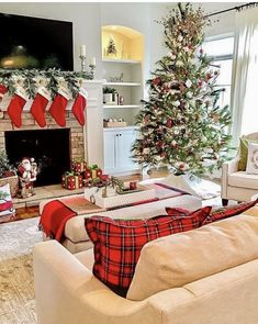 Looking for for inspiration for farmhouse christmas tree? Check this out for perfect farmhouse christmas tree inspiration. This unique farmhouse christmas tree ideas seems totally excellent. Christmas Interiors, Christmas Bedroom, Christmas Mood, White Christmas, Xmas, Christmas Ideas, Christmas Tree With Presents, Christmas Mantles, Victorian Christmas
