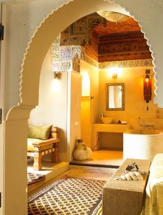 Ryad Dyor Marrakech - The Ryads Official Photo Gallery Moroccan Design, Moroccan Decor, Moroccan Style, Moroccan Colors, Best Riads In Marrakech, Riad Marrakech, Earth Bag Homes, Creative Decor, Ceiling Design
