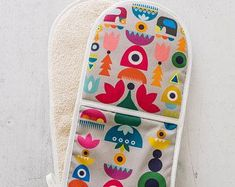 Colourful 60s 70s pop skandi kitsch graphic art kitchen mittens gift for new home baker cook
