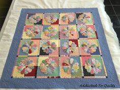 This is Barbara's gorgeous Dresden Plate quilt made with 1930s fabrics. She decided to have a random daisy design quilted in the border.    ...