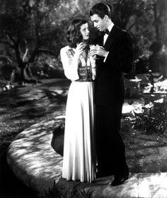 Jimmy Stewart and Katharine Hepburn in The Philadelphia Story//