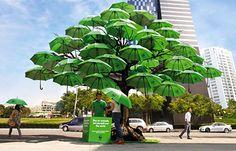 """Umbrella Tree by WWF.  """"Compre um guarda chuva para si e para o mundo."""""""